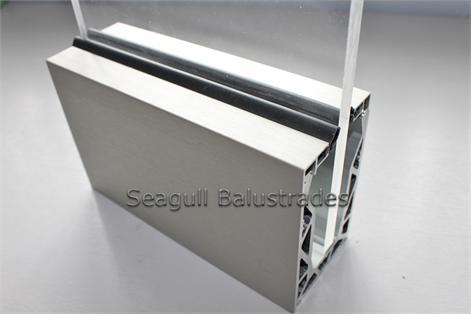 Glass Channel 3MTR